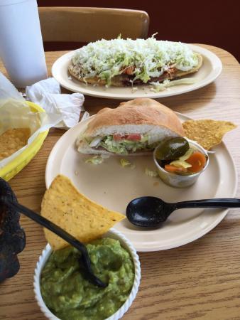 Los Huaraches Restaurant