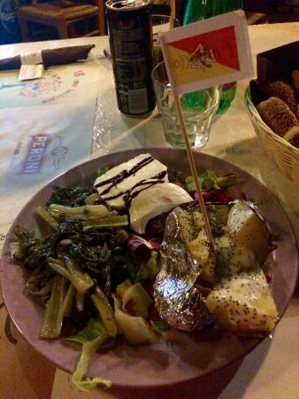 Il tocco picture of il tocco acireale tripadvisor for Pizzeria il tocco