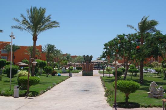 Caribbean World Resorts: allée principal vers les piscines et la plage