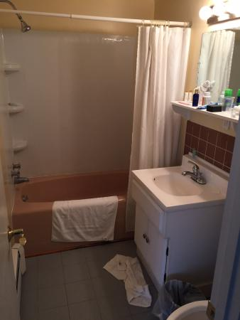 The Stowe Inn: Bath room