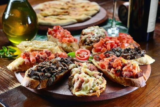 Carolla Pizza D.O.C. - Santa Felicidade: Bruschetas