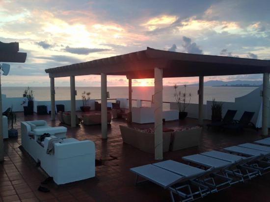 Plaza Pelicanos Grand Beach Resort: Sky bar