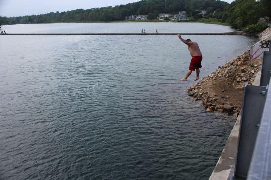 York Harbor, ME: He needs a checkup from the neckup!