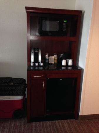 Hilton Garden Inn Rockford: Bar/Coffee area