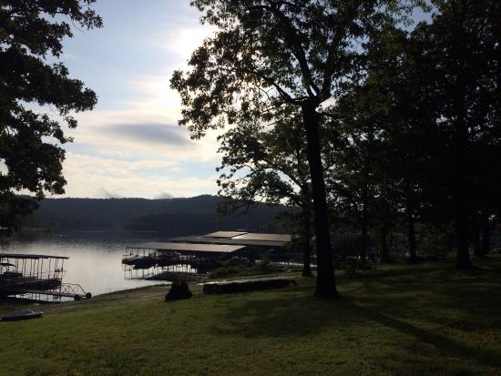 Kimberling Oaks Resort: A great location on Table Rock Lake!