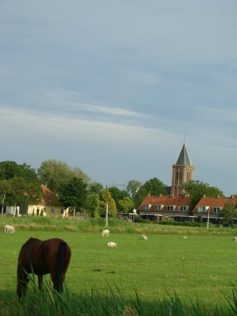 Zunderdorp, The Netherlands: view across the front yard
