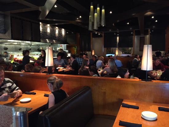 Big Bowl Schaumburg: Dinning Room
