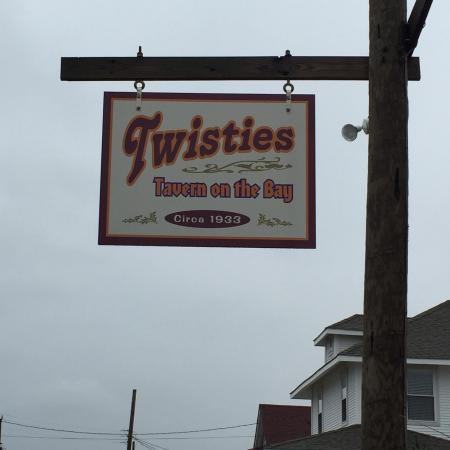 Twisties Tavern on the Bay: Views of Twisties/ have fun I did