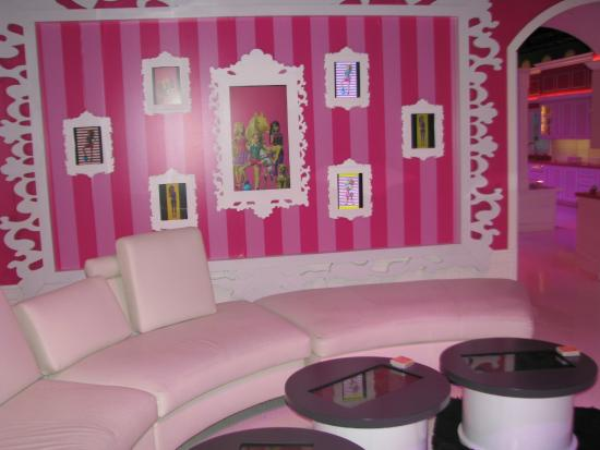 Barbie Dream House Fort Lauderdale - Picture of Barbie Dream House ...
