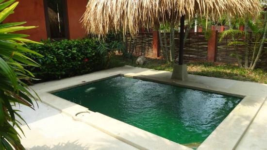 ذا ريزيدانس هوا هين: บ่อนน้ำในบ้านพัก