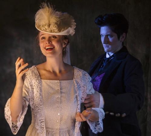 """The Rogue Theatre : Dylan Page and Dani Dryer in """"Dorian Gray"""""""