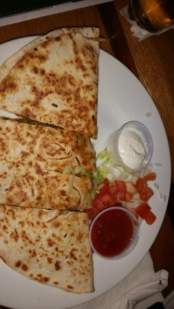 Klee's Bar and Grill: Quesadilla appetizer