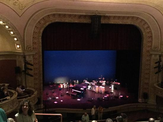 Mahaiwe Performing Arts Center: Pink Martini concert