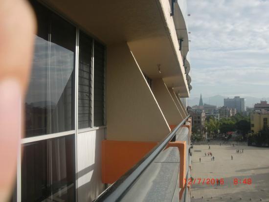 Hotel Palace: Vista del balcón