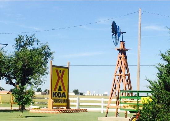 Amarillo KOA: KOA entrance