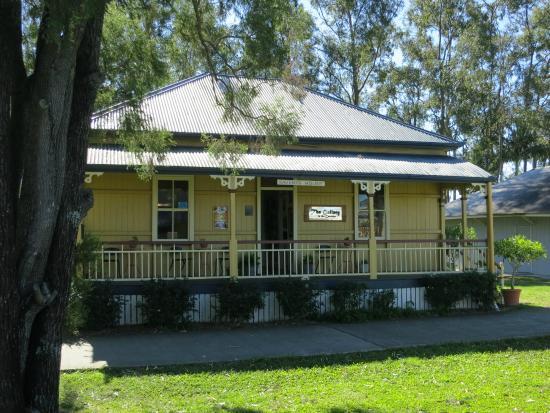 Saverin House art gallery - Beenleigh Historical Village