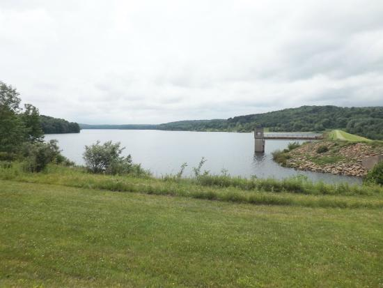 Patton, Pensylwania: View from end of the dam