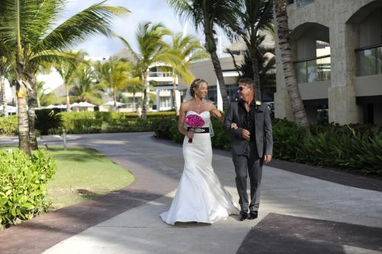 Great place to get married picture of hard rock hotel for Nice places to get married
