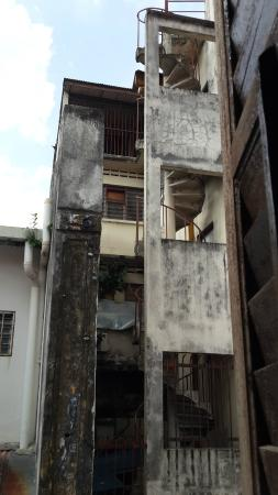 Ipoh Heritage Walk: Narrow Steps Of Spiral Staircase
