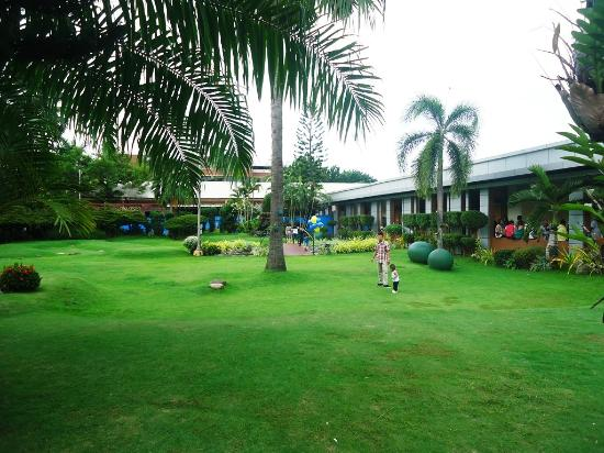 Picture of Oases Seafood Restaurant, Davao City - TripAdvisor