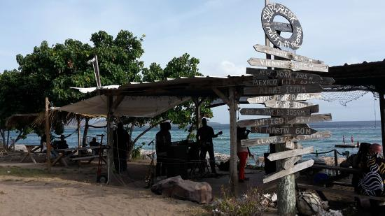 Mule House: shipwreck beach dining, drinking and dancing