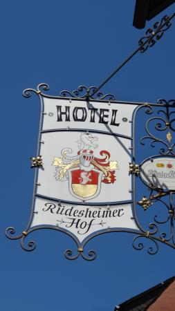 Rüdesheimer Hof: THE PLACE TO STAY