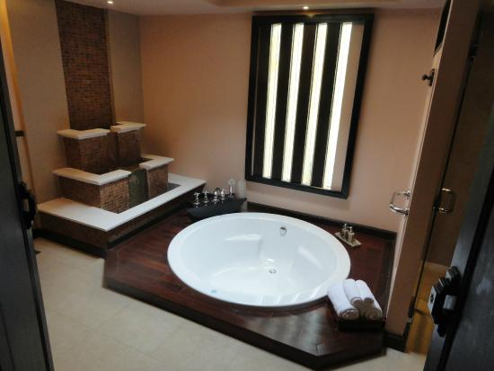 Siripanna Villa Resort & Spa: Room 1108 Bath