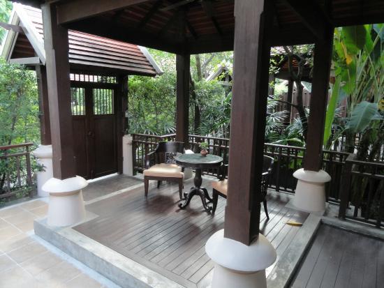 Siripanna Villa Resort & Spa: Room 1107 Outside Patio