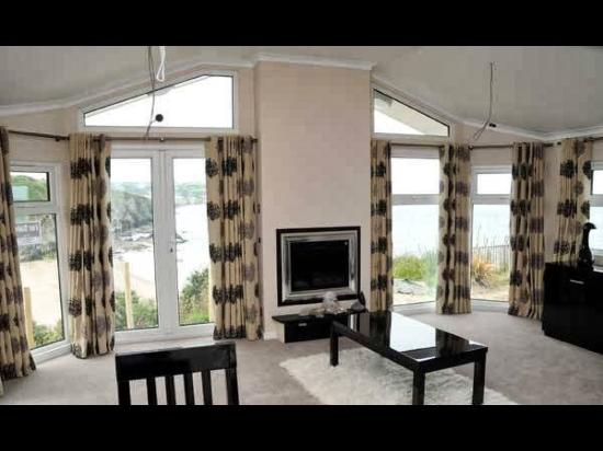 Gwalia Falls Retreat: View from the inside looking out to the bay .... Inside & out are both stunning