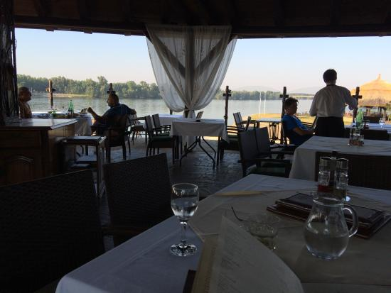 Hotel Dunav : View of river from outdoor eating area