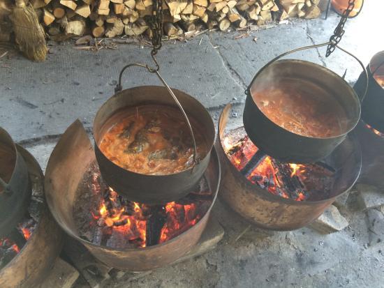 Carda Kod Brase: Fish soup being prepared
