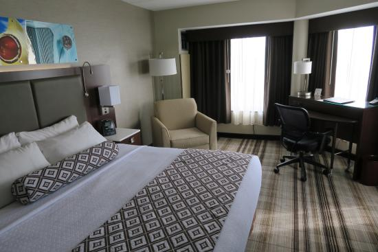 Crowne Plaza Auburn Hills : The room