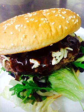 Happy Haggis: 8 oz Cheese Burger