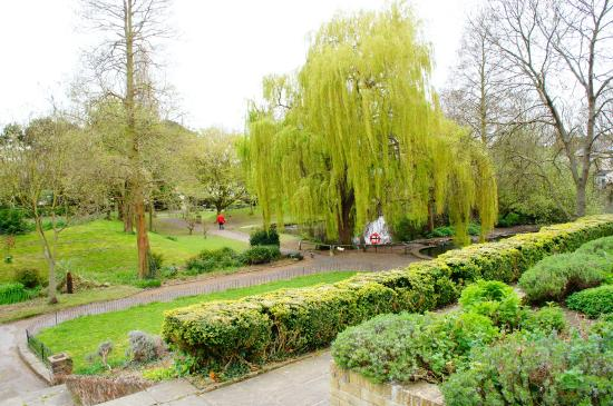 Southchurch Hall Gardens