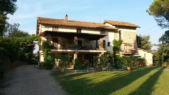 Montespertoli, Italien: Il ristorante e le dependances