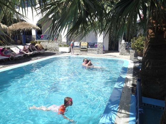 Athina Apartments Swimming Pool