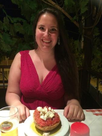 Lichnos Restaurant: Me enjoying dinner ;)