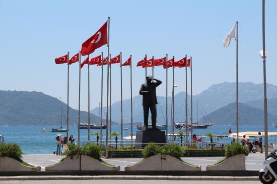 Mustafa Kemal Ataturk - Marmaris Atatürk Heykeli, Marmaris ...