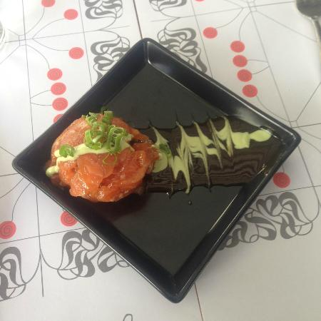 Piperia: Great tartar with amazing sauce