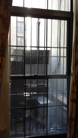 The French Quarters Guest Apartments: Vue de la chambre 108