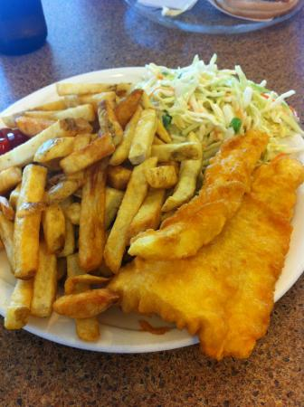 C-Lovers Fish & Chips: enough chips for 2 people