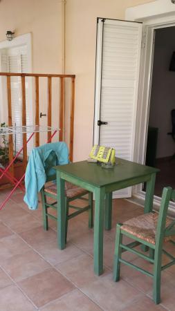 Eco Resort Zefyros: Veranda sulla piscina