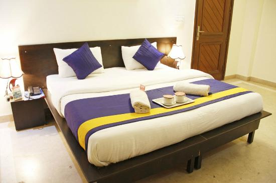 OYO Rooms Noida City Centre 208
