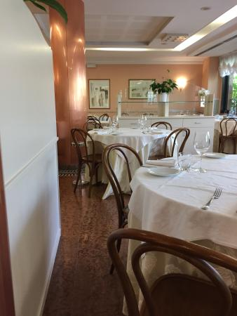 Ristorante Hotel Lucia: Sala ristorante