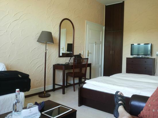 Hajo's Hotel Germania: Værelse