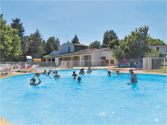 VVF Villages de La Bussiere: piscine