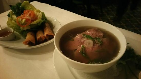 Le Colonial: Pho