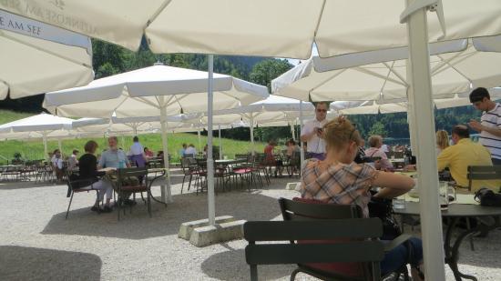 grosse garten terrasse picture of alpenrose am see hohenschwangau tripadvisor. Black Bedroom Furniture Sets. Home Design Ideas