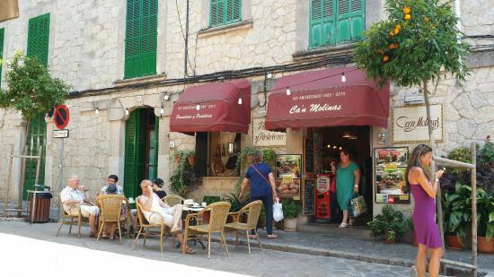 Panaderia Pastelería Ca'n Molinas