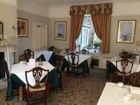 Chapel House Restaurant with Rooms: Restaurant room - at breakfast time